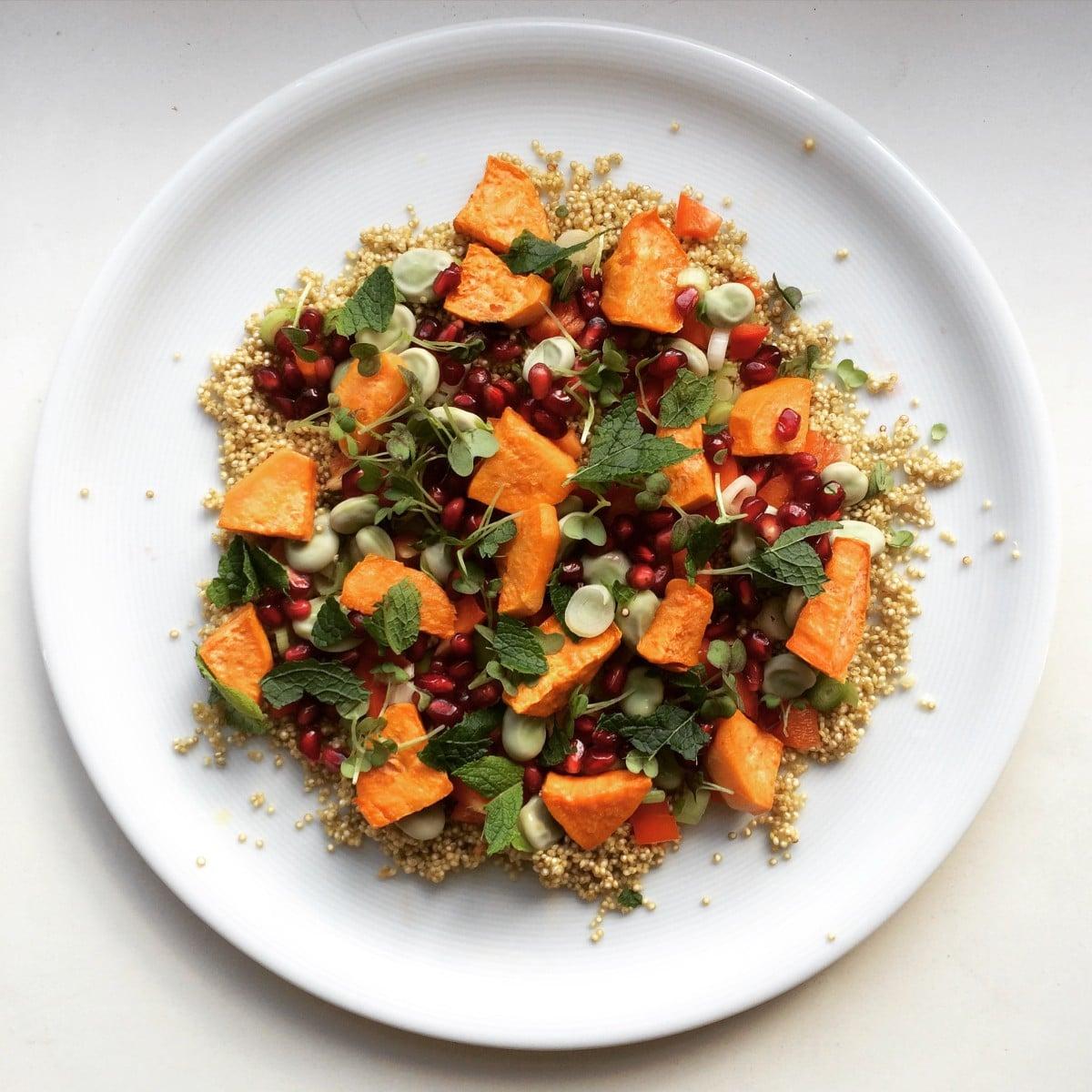 Quinoa salade met gegrilde zoete aardappel