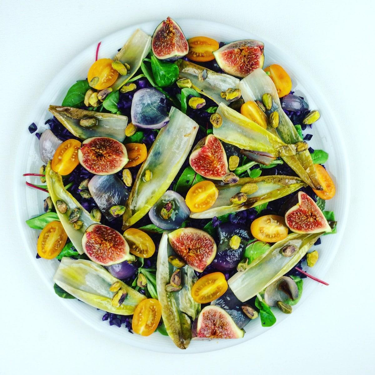 Herfstsalade met gekarameliseerde witlof