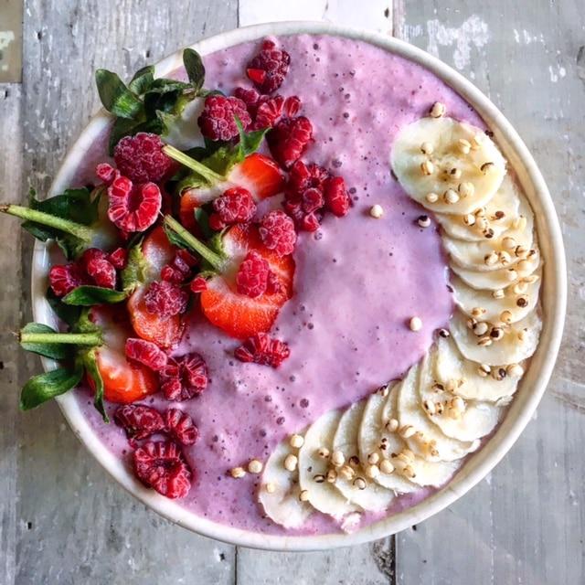 roze smoothie bowl