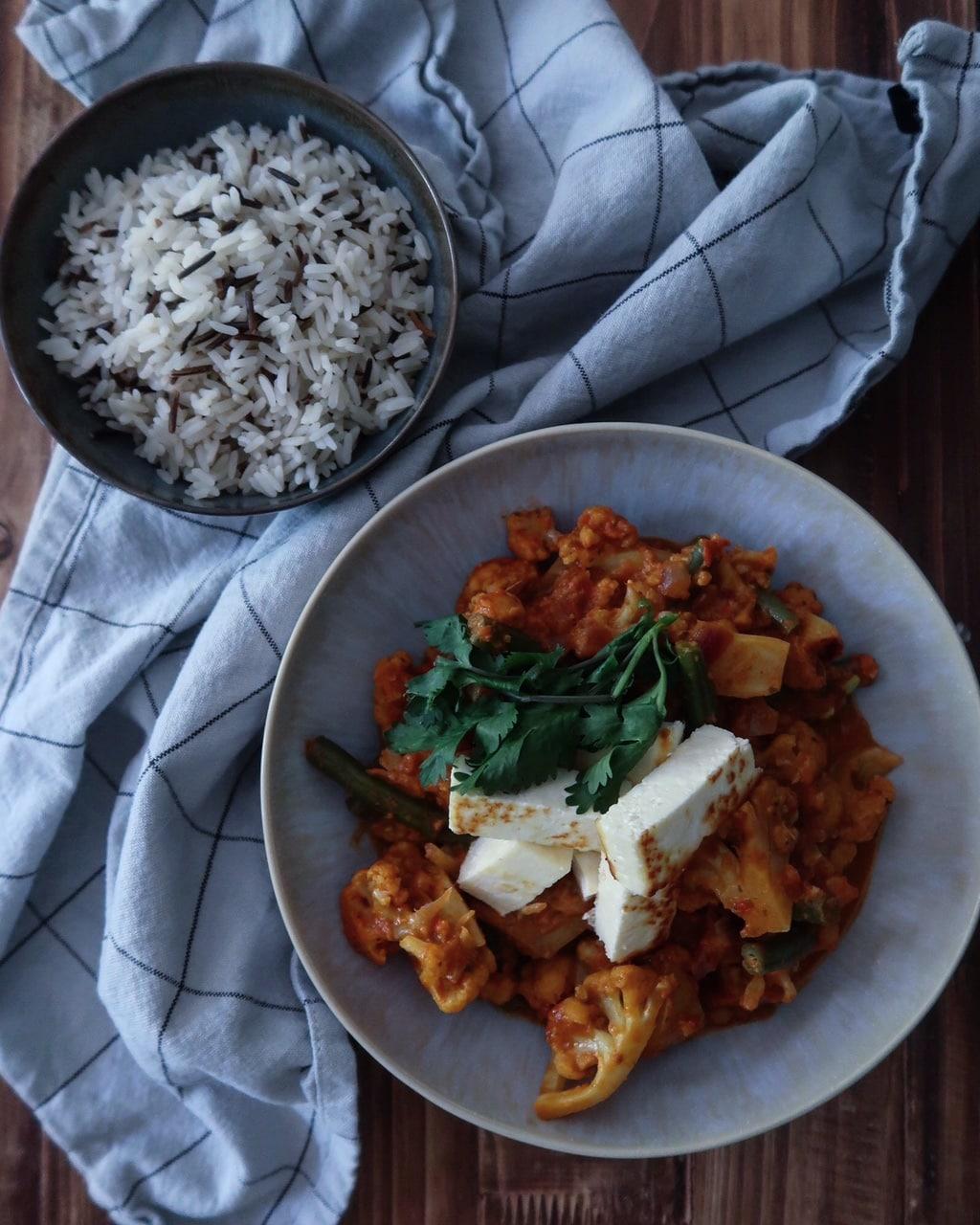 Indiase curry met gebakken paneer