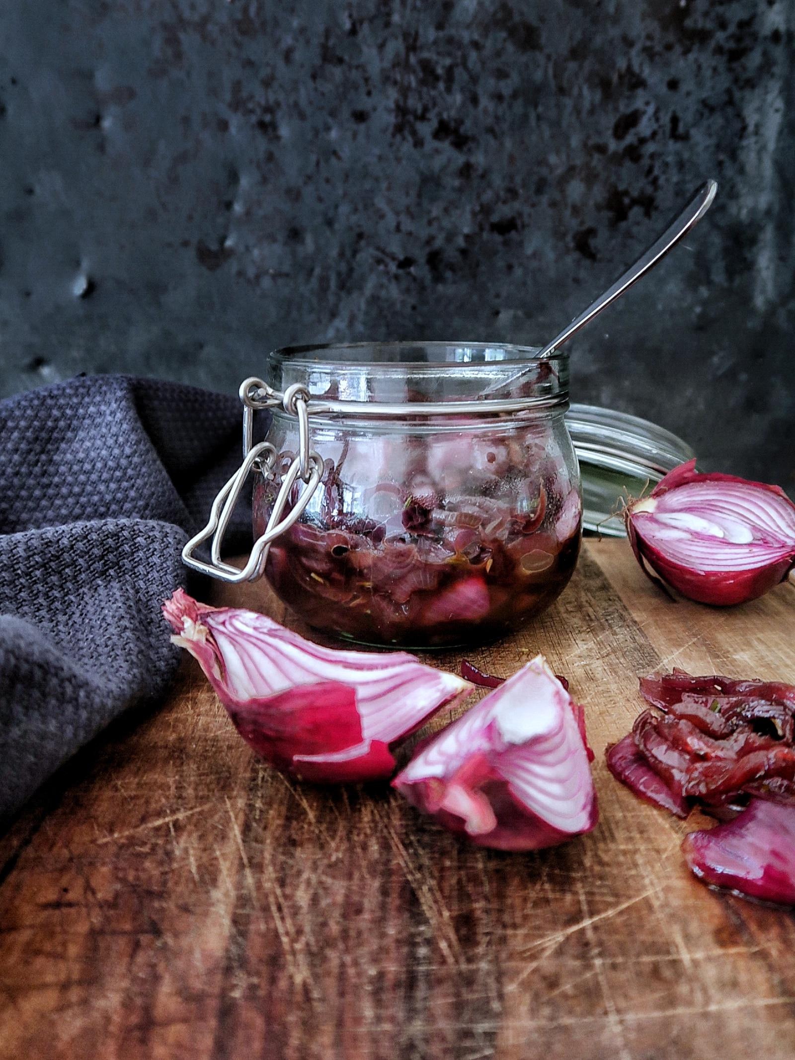 Chutney van rode uien