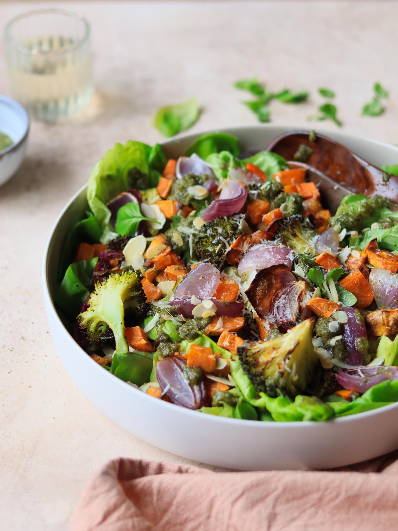 geroosterde groenten amandelpesto